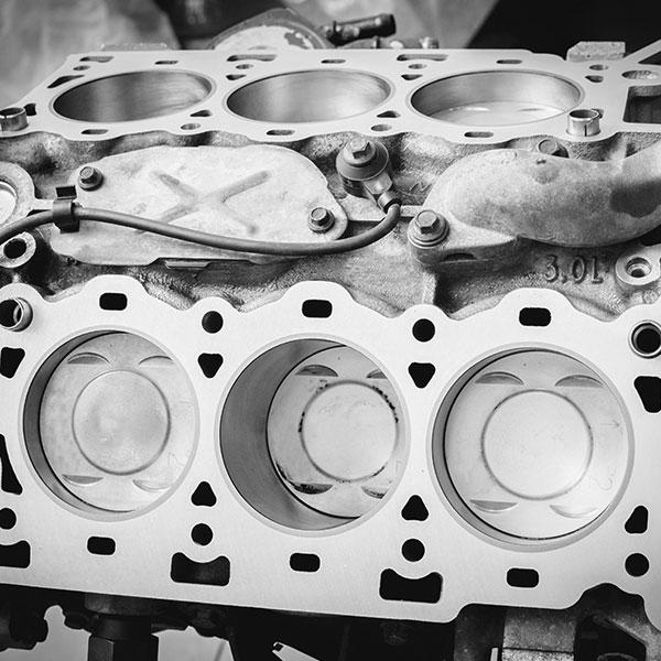 Motorinstandsetzung Motorblock BSK GmbH & Co. KG